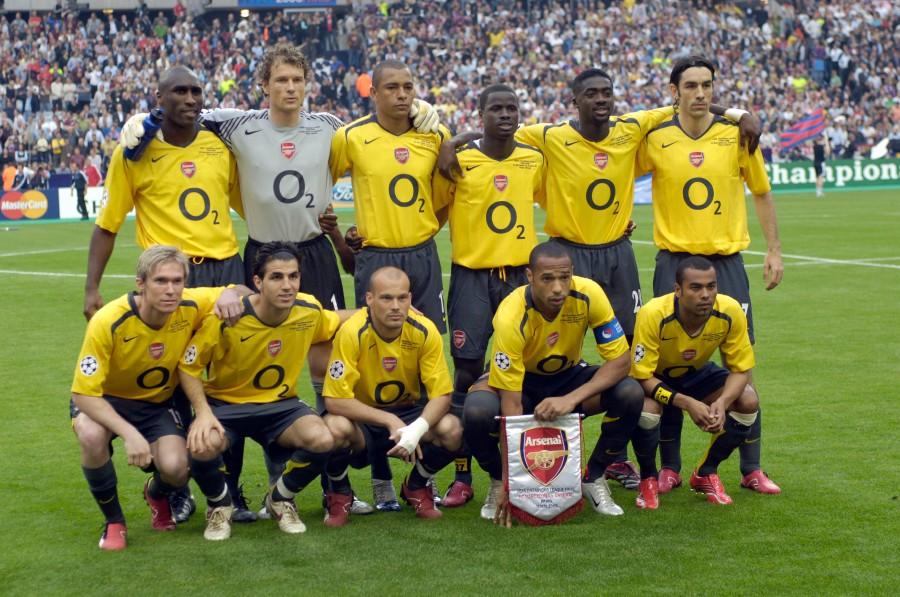 78969595-sport-football-uefa-champions-league-final-paris-17th-may-2006-barcelona-2-v-arsenal-1-arsenal-team-group.jpg.jpg
